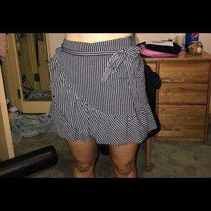 Striped ruffle skirt -new